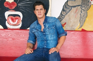 jon-pardi-press-2013-650-430